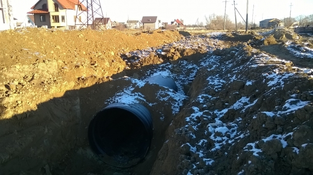 Construction of an unpressurized sewer collector with a diameter of 1600 mm, the city of Nadvirna